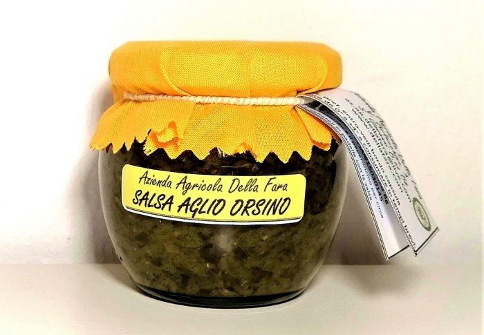 Vasetto di salsa di aglio orsino